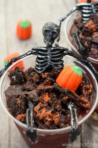 LOVE-this-Skeleton-Oreo-Pudding-Cups